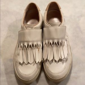 Tod's Leather Round-toe Sneakers size 37.5
